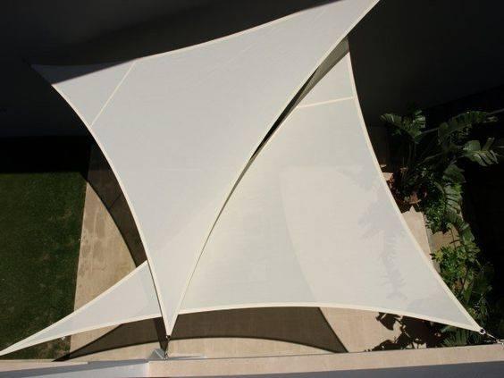Mái che cánh buồm hình tam giác